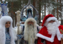 Wladimir Putin hat sich noch nicht gemeldet Deutscher Weihnachtsmann besucht Väterchen Frost in Russland