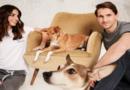 René Adler und Lilli Hollunder appellieren in neuer PETA-Kampagne: Tiere adoptieren, nicht kaufen!