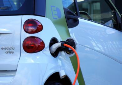 Elektroautos und E-Scooter im Winter ADAC: Stromer-Pkw schon beim Laden heizen