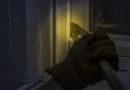 Einbrecher kamen bei Nacht und scheiterten an 5 Haustüren