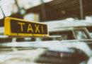 Trio schlägt mit Flasche auf Taxifahrer ein und flüchtet