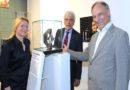 """Edward Snowdens  """"Glas der Vernunft"""" ist jetzt im Stadtmuseum ausgestellt"""