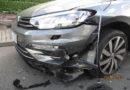 Polizei sucht Auto mit frischem Frontschaden