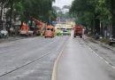 Kassel: Baum blockiert Straßen- und Schienenverkehr