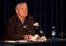Eckhard Henscheid erhält den Kasseler Literaturpreis für grotesken Humor