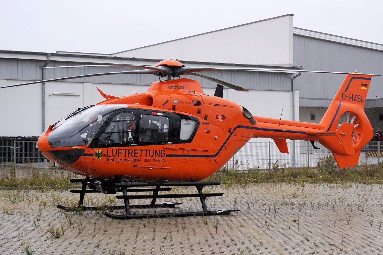 Kassel – Calden: Aktuell: Fußgänger von Auto erfasst Rettungshubschrauber im Anflug