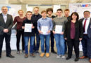 Die 10 besten hessischen Physikschüler/innen in Kassel geehrt.