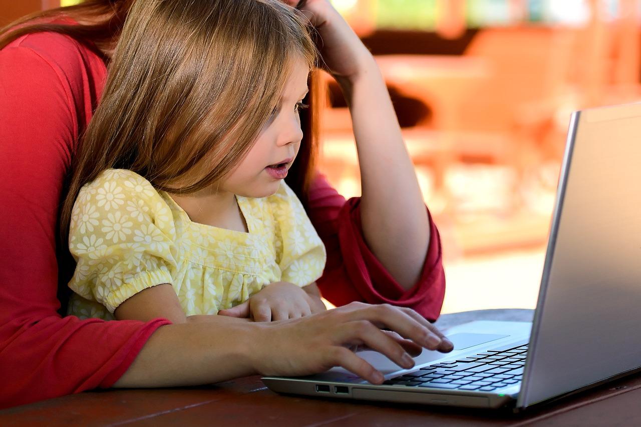 Kinderlosenquoten nach beruflicher Stellung und Bildung nähern sich an