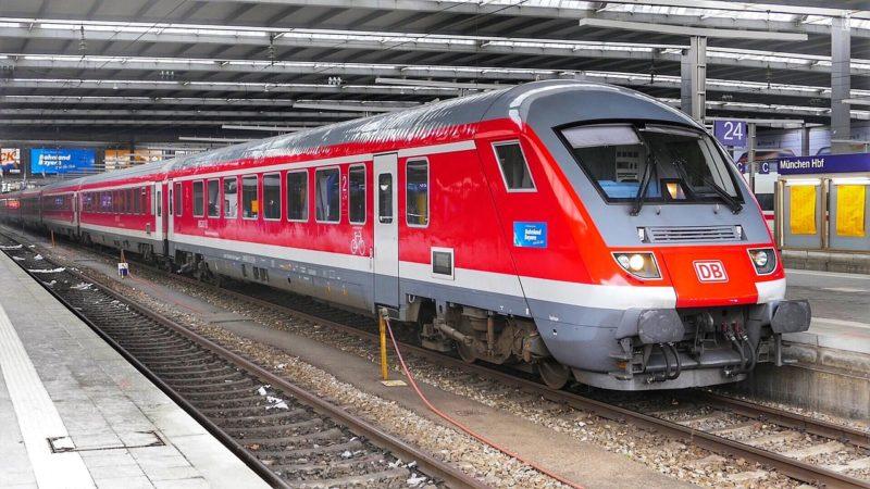 Mit Wasserstoff betriebener Zug fährt erstmals in Hessen