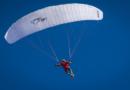 Gleitschirmflieger landet in Baumkrone: Aufwendige Rettung