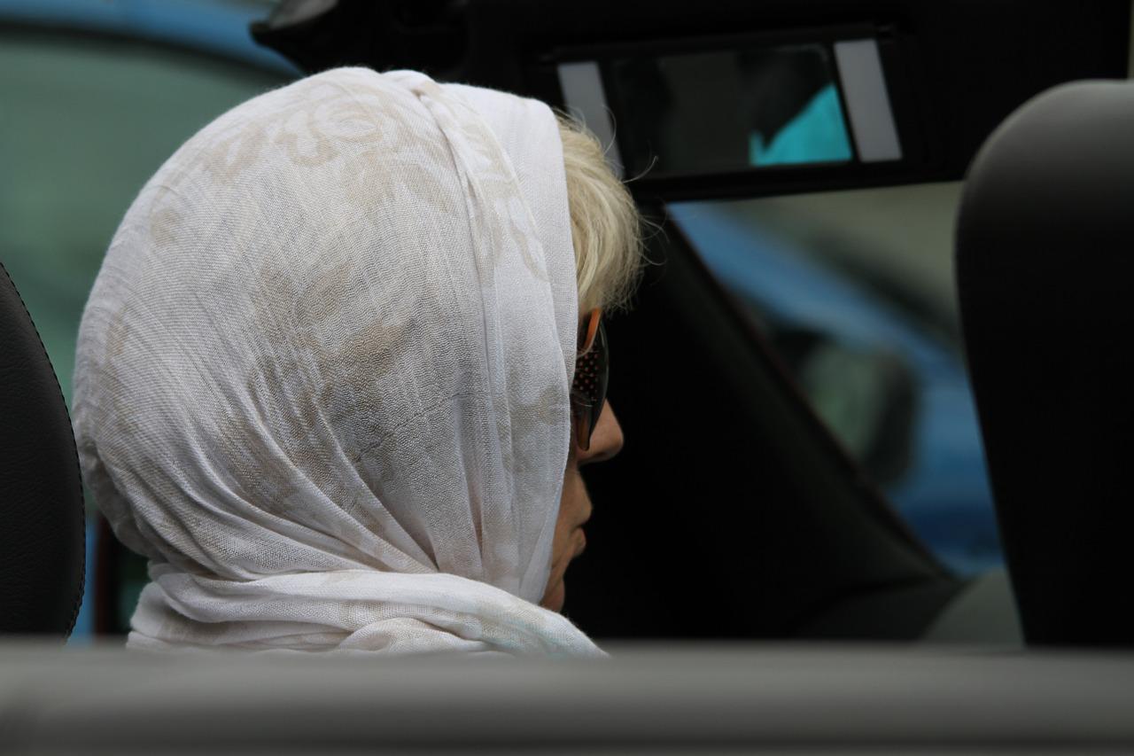 Beamtin darf Kopftuch tragen