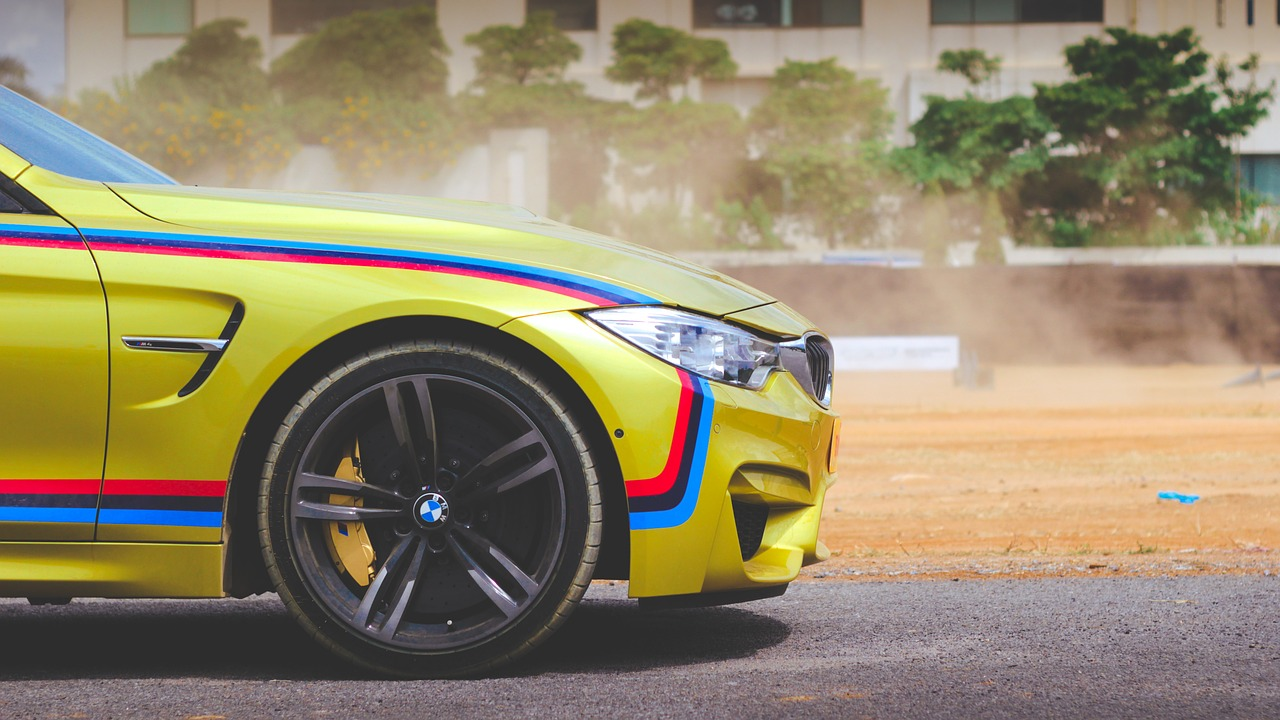 BMW Startup Garage neuer Official Partner von BMW M Motorsport