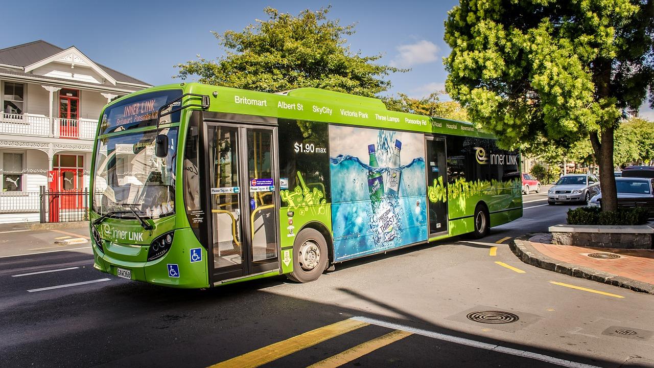 Erster E-Bus im hessischen Nahverkehr