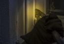 Einbrecher weckt Hausbewohner und flüchtet
