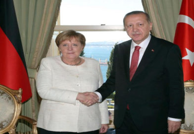 """Merkel-Besuch bei Erdogan: """"Eine außenpolitische Bankrotterklärung"""""""