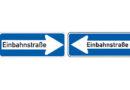 Beim Ausparken in Einbahnstraße beide Fahrtrichtungen absichern