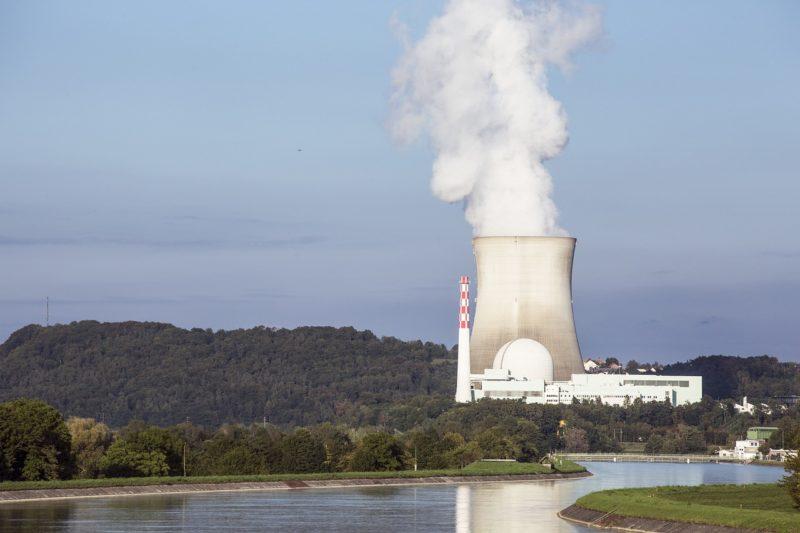 Deutsche Umwelthilfe verklagt Bundesregierung wegen zu viel Ammoniak, Stickoxiden, Feinstaub und Schwefeldioxid in der Luft