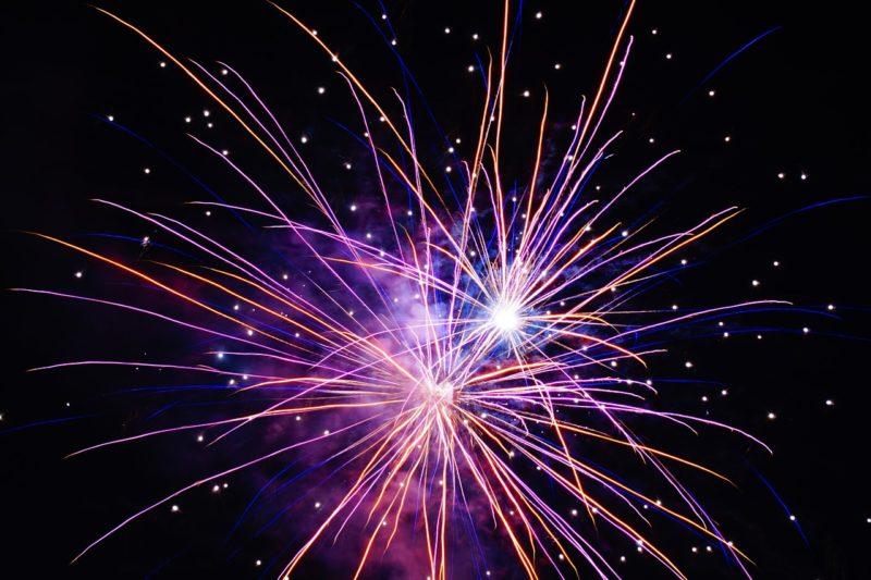 Sicherer Umgang mit Feuerwerkskörpern Unfälle an Silvester Feuerwerk nur aus sicheren Quellen beziehen