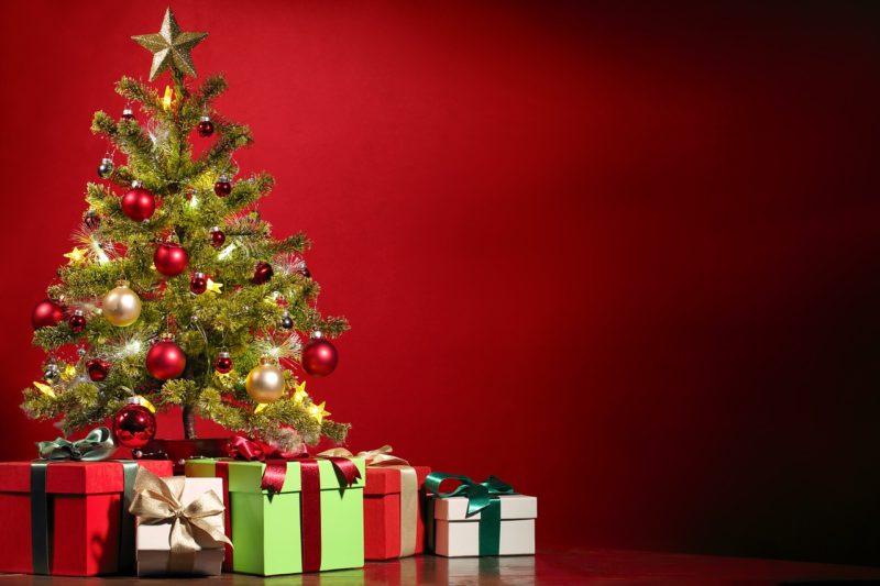 28.Januar ! Bewohner löschen brennenden Weihnachtsbaum selbst