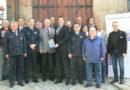 Homberg wird KOMPASS-Kommune – Polizeipräsident überreichte KOMPASS-Begrüßungsschild