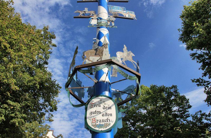 Bad Zwesten: Maibaumfest mit Maiwanderung