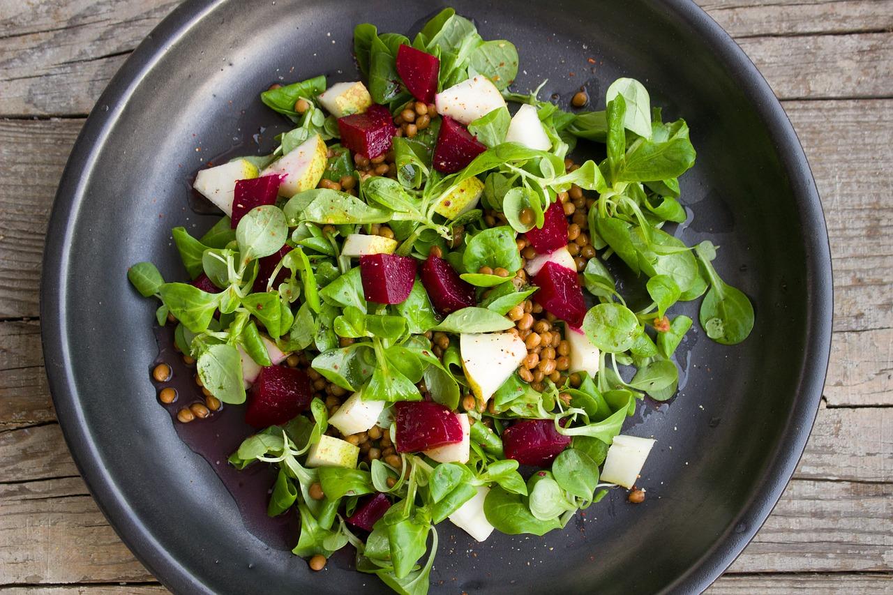 Jeder kann kochen, er braucht nur Mut: Linsensalat mit Spargel und Saibling