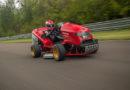Damit Rasenmähen wieder Spaß macht: Honda baut beschleunigungsstärksten Rasenmäher der Welt Mean Mower V2 mit neuem Weltrekord