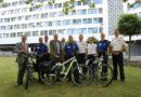 Innenminister Peter Beuth übergibt E-Fahrräder an Hessische Polizei