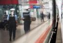 Schläfriger Schwarzfahrer geht auf Bundespolizisten los