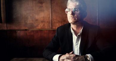 """Heinz Strunk erhält den """"Kasseler Literaturpreis für grotesken Humor"""""""