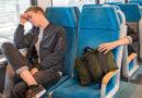 Smartphone von Schlafendem im Zug gestohlen