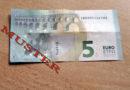 Zwei Täter greifen 67-Jährigen in Hofgeismar an und klauen fünf Euro