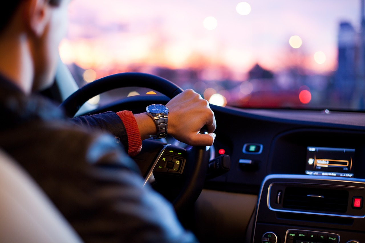 Medikamente am Steuer mindern die Fahrtüchtigkeit Bedenklich sind vor allem Schmerz-, Schlaf- und Beruhigungsmittel