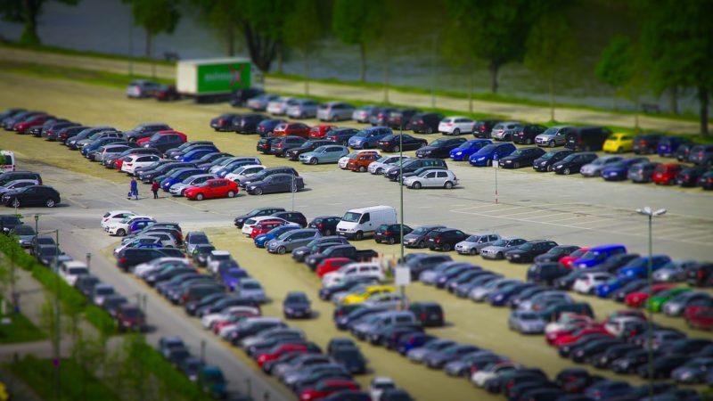 Fahrzeugzulassungen gehen leicht zurück