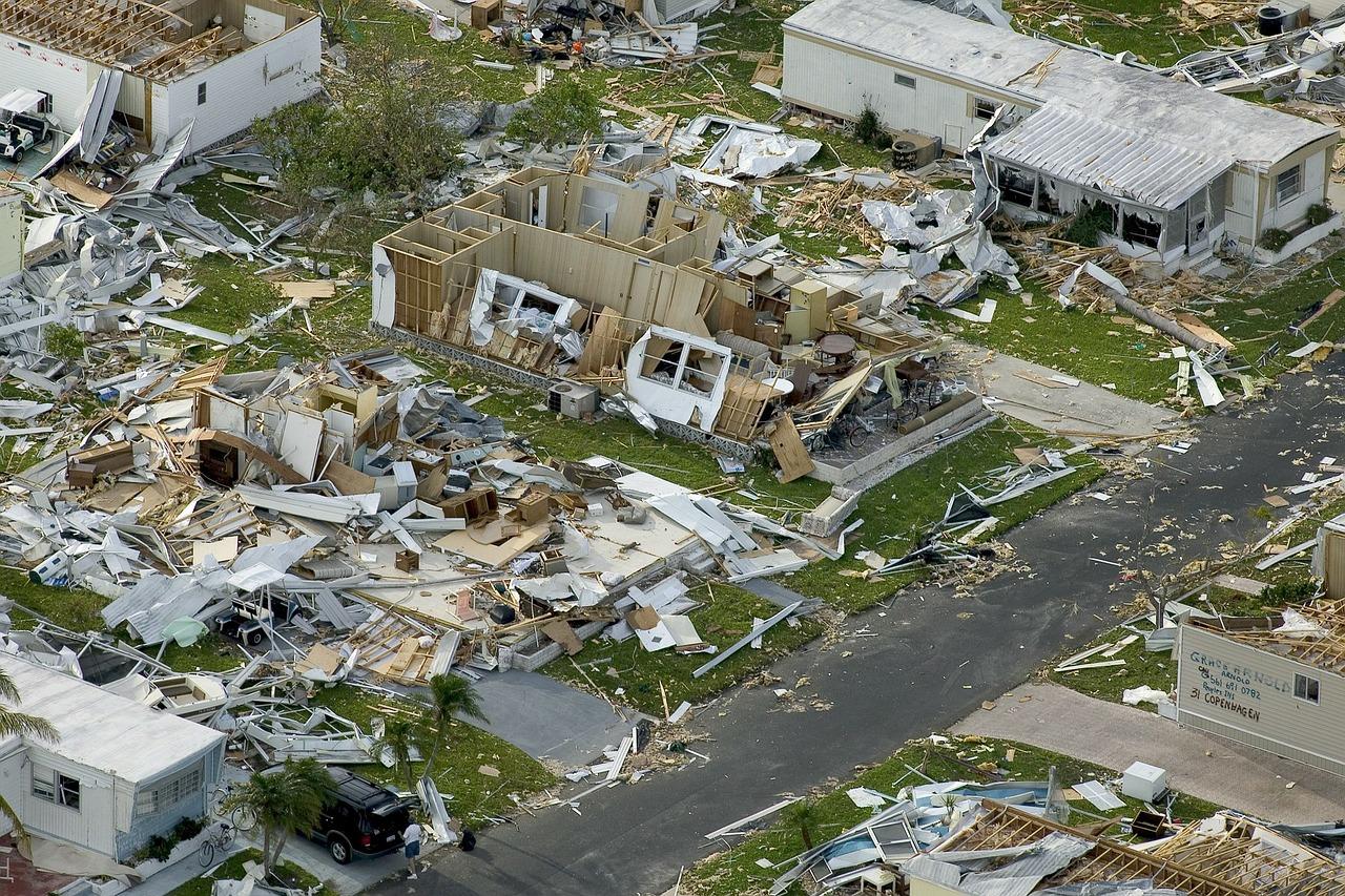 Hurrikan Dorian verwüstet die Bahamas und zieht in Richtung Florida und South Carolina weiter