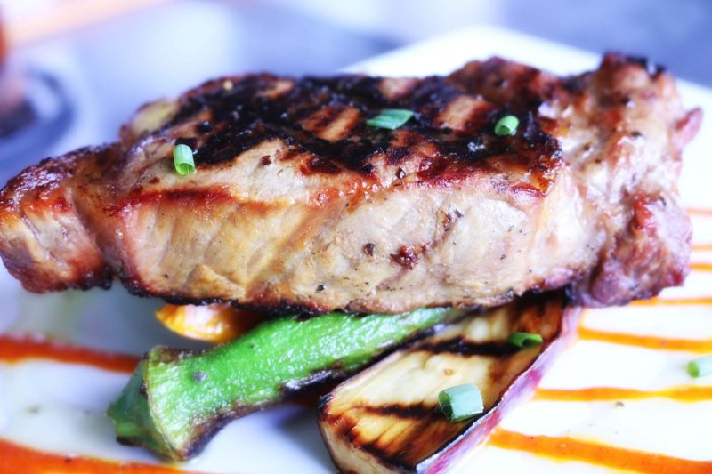 Jeder kann kochen, man braucht nur Mut: Gegrillter Thunfisch mit Reis und hausgemachter Salsa