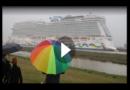 Papenburg: Kreuzfahrtriese auf dem Weg zur Nordsee
