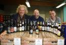 Bathildisheimer Werkstätten packen regionalen Bier-Adventskalender