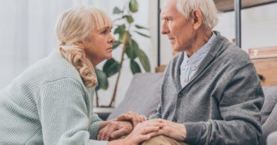 Demenz: Wenn die eigene Familie zu Fremden wird 6 Tipps für pflegende Angehörige