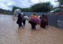 Überschwemmungen Indonesien: Caritas-Hilfe gestartet, 50.000 Euro für Flutopfer bereitgestellt, dringender Bedarf an Lebensmitteln, Trinkwasser, Gummistiefeln und Decken