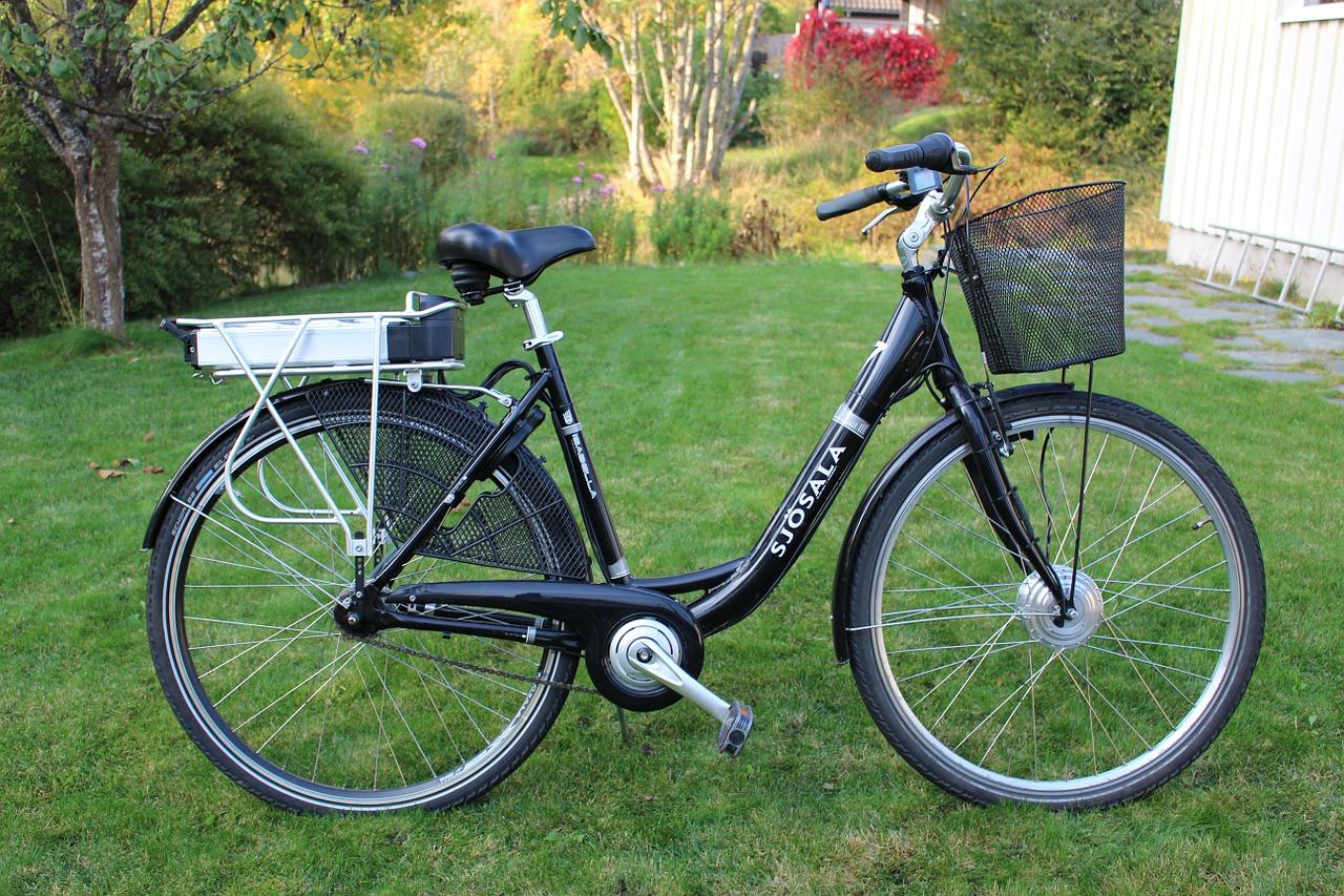 Mehrere E-Bikes bei Einbrüchen in Bad Karlshafen gestohlen: Polizei sucht Zeugen