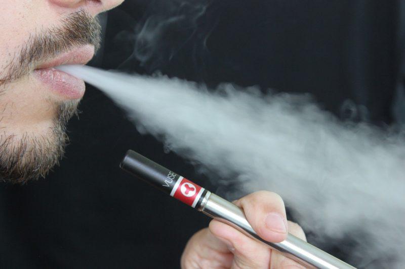 Zigarettenabsatz stabil, E-Zigaretten-Umsatz rückläufig