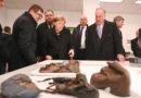 Jüdischer Weltkongress: Präsident Ronald Lauder dankt Bundeskanzlerin Angela Merkel für deutschen Beitrag in Höhe von 60 Millionen Euro zum Erhalt der Gedenkstätte Auschwitz-Birkenau