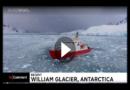 Riesiger Eisblock bricht von Gletscher