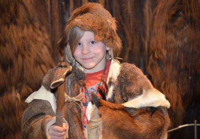 Familien-Steinzeittag im Naturkundemuseum