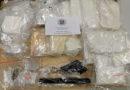 Elf Kilogramm Drogen und Schusswaffe sichergestellt: Zivilfahnder nehmen Dealer fest