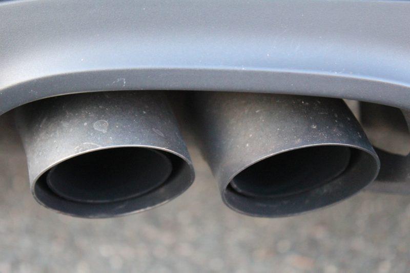 Greenpeace-Vorschlag: CO2-Ausstoß im Verkehr durch Zulassungssteuer senken