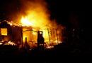 Brand im Kleingartengelände: Feuerwehr kann Übergreifen auf benachbarte Gartenhütten verhindern