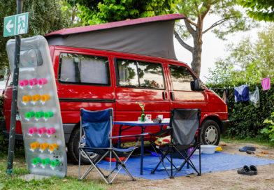 Die wichtigsten Tipps zum Camping in Corona-Zeiten/ ADAC Campingführer macht den Praxis-Check
