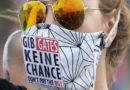 Antisemitische Slogans und Shirts: Corona-Proteste von Rechtsextremen unterwandert